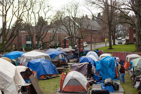 Seattle Pacific Welcomes Homeless Camp for 3 Months