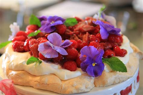 Romancing the Home: Summer Desserts with Chef Gale Gand