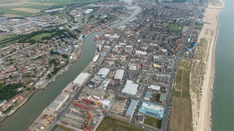 £40m Great Yarmouth flood defence upgrade set to start