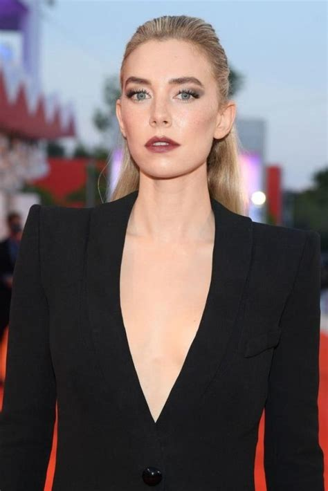 41 Sexiest Pictures Of Vanessa Kirby | CBG