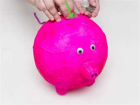 3 Ways to Make a Piggy Bank - wikiHow