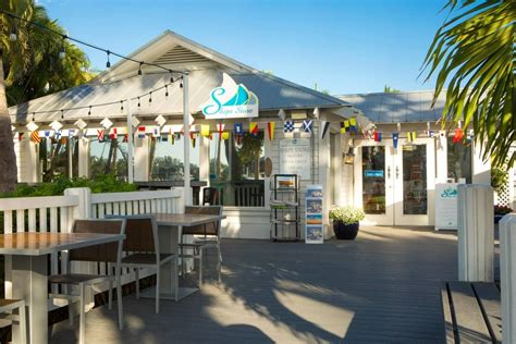 Dine at Ship's Store Restaurant in Sanibel Island   Dining