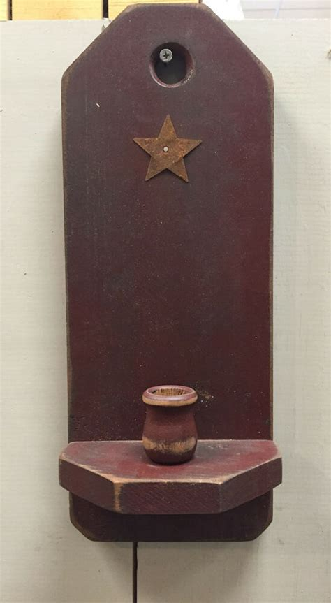 New Country Primitive Rusty Star Burgundy Wood Candle