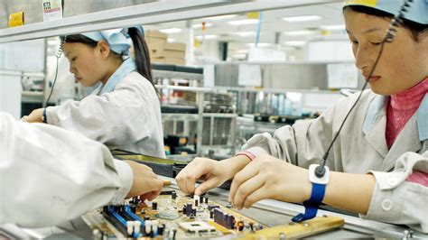NYU Student Spent 6 Weeks Working in an iPhone Factory
