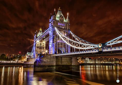 Night Photography With Long Exposure at Tower Bridge in London